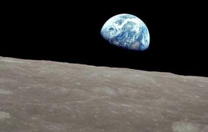 Před 50 lety se Apollo 8 vydalo k Měsíci