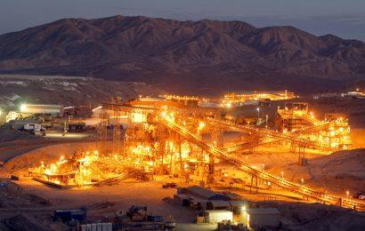 Glencore: Pokles zisku o 41%, zpětný odkup za 2 miliardy dolarů a limit těžby uhlí