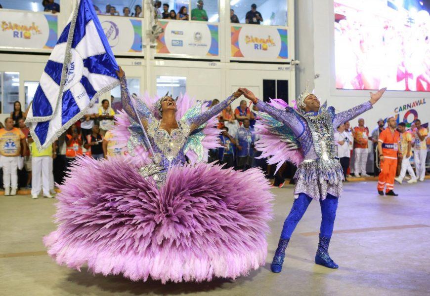 Karneval Rio de Janeiro, Den první: Beija-Flor de Nilópolis