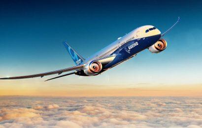 Boeing hlásí pokles zisku o 21%, pozastavení zpětného odkupu akcií a revizi odhadu celoročního zisku