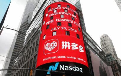 Trump vyhrožuje, že čínským firmám zruší povolení k obchodování jejich akcií na NYSE a NASDAQ
