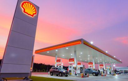 """Royal Dutch Shell ve 4Q očekává odpisy až ve výši 2,3 miliardy USD a """"podstatně nižší"""" marže"""