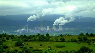 ČEZ dál odstavuje uhlí, letos odpojí Prunéřov