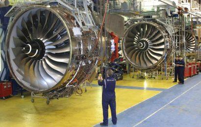 Rolls-Royce propustí 8.000 pracovníků a Berkshire Hathaway prodělala 50 miliard dolarů