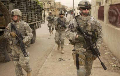 US Signs Commitment For Mass Troop Exit From Iraq