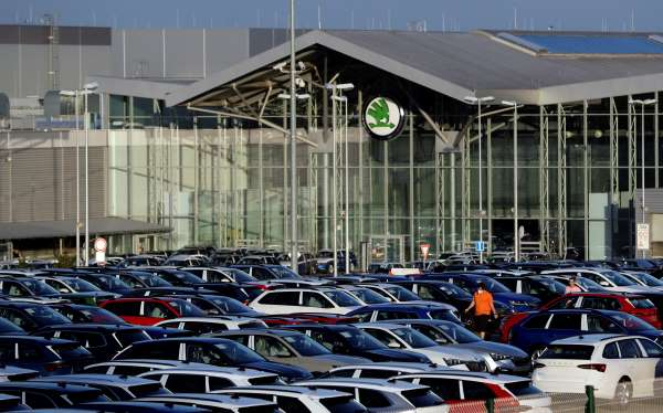 Škoda Auto: Tržby -26%, zisk -74%