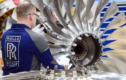 Rolls-Royce warns on £2bn cash outflow