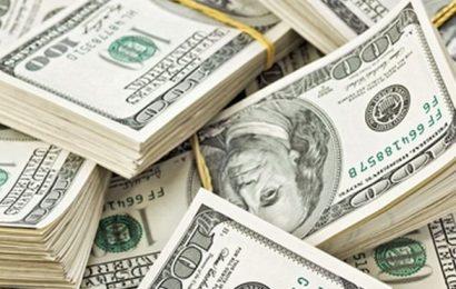 Rekordní deficit rozpočtu USA za leden: 163 miliard USD