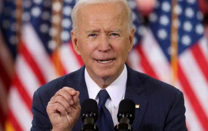 Biden představil plán investic v hodnotě 2.250 miliard dolarů