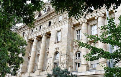 Maďarská centrální banka zvýšila základní sazbu na 0,9%