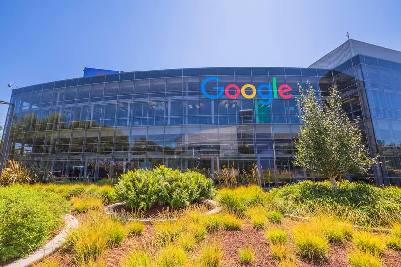 Google dostal pokutu půl miliardy eur