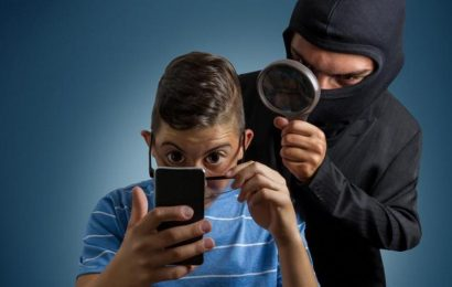 Světová média opožděně reagují na chazarské spyware NSO Pegasus